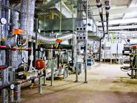 Технический этаж с вентиляционным оборудованием.