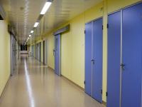 Стерильный коридор в операционном блоке.